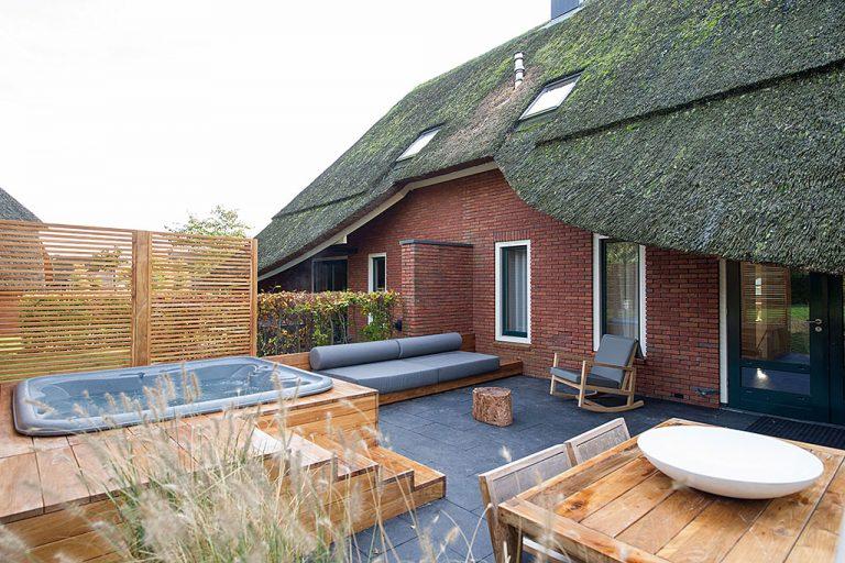 Relaxen: De mooiste wellness huisjes met buiten jacuzzi in Nederland