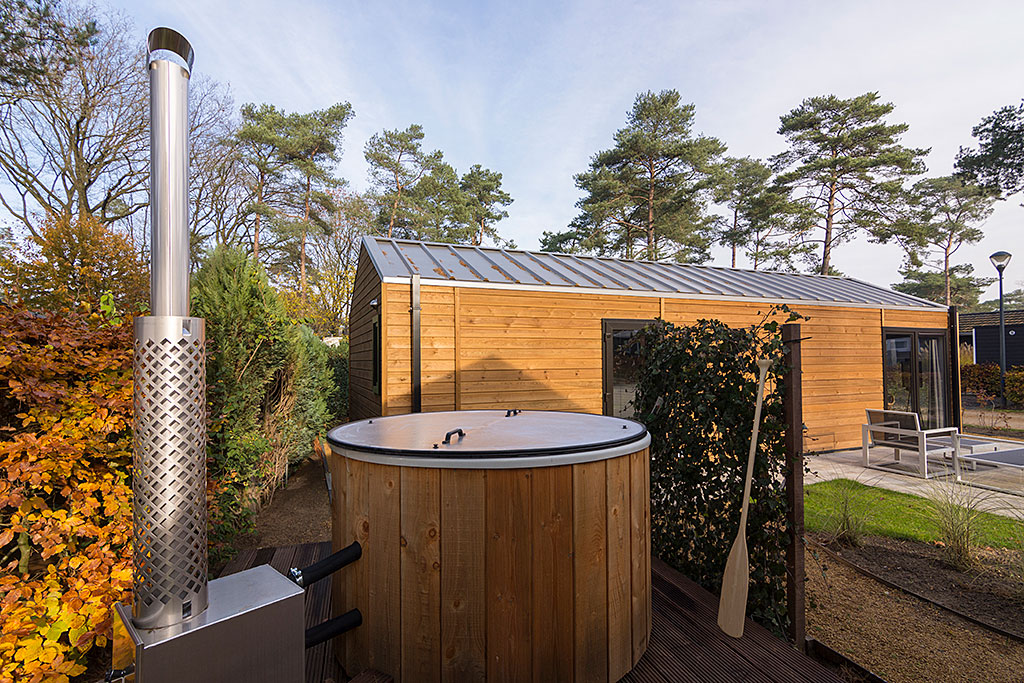 Hottub Wellness Lodge Droomparken de Zanding